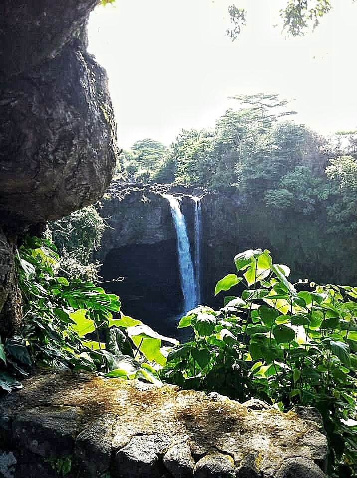 Rainbow Falls Big Island Hawaii,lava rock in Hawaii, Big Island of Hawaii things to do, ultimate guide to Big Island Hawaii, what to see in Big Island, Hawaiian island itineraries, guide to Big Island Hawaii, five-day Big Island itinerary, five-day guide to Big Island Hawaii, waterfalls in Hawaii, waterfalls in Big Island Hawaii